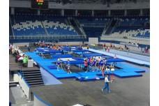 Для чемпионата России по прыжкам на батуте - страховочные маты вокруг батута