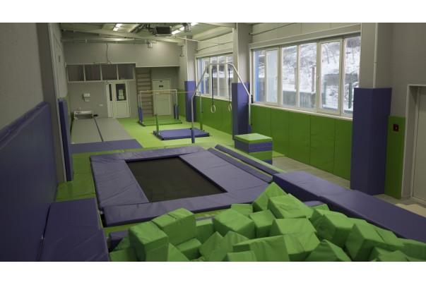 Спортивный зал с батутом для акробатики в г. Владивосток